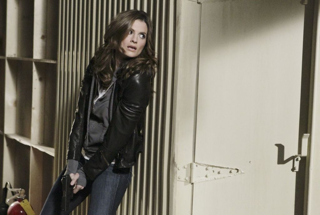 """CASTLE - """"Countdown"""" (Part 2) -- With time running out, Castle and Beckett must put aside their differences with Agent Fallon (guest star Adrian Pasdar) to avert a city-wide catastrophe, on """"Castle,"""" MONDAY, FEBRUARY 28 (10:01-11:00 p.m. ET) on the ABC Television Network. (ABC/KAREN NEAL) STANA KATIC"""